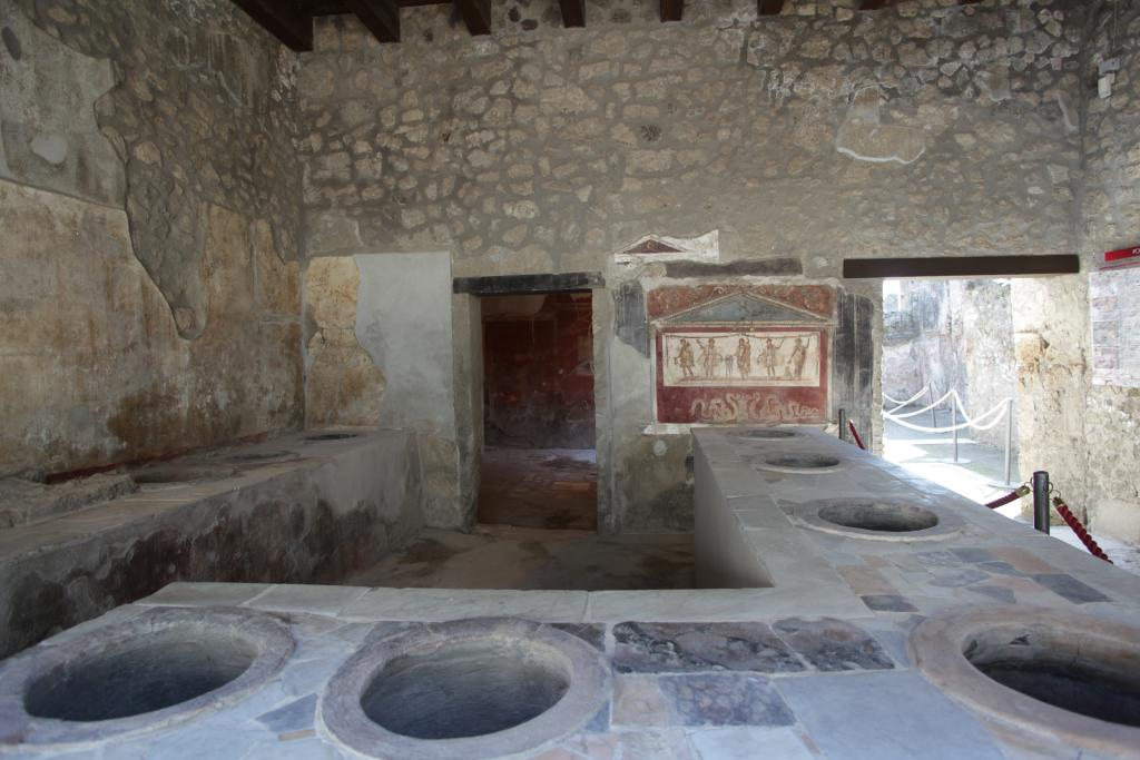 Pompeii bar